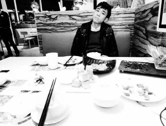 《请吃饭》——2016年最佳小小说
